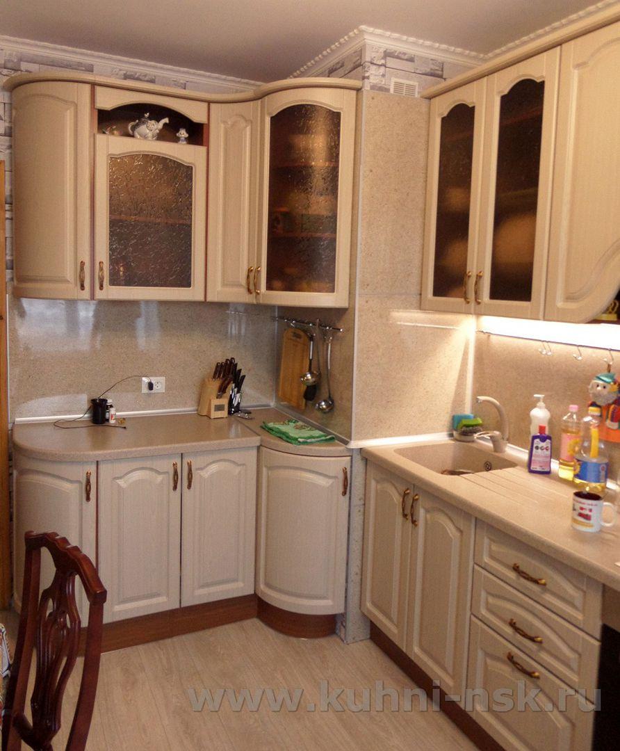 Кухня с выступом в углу дизайн