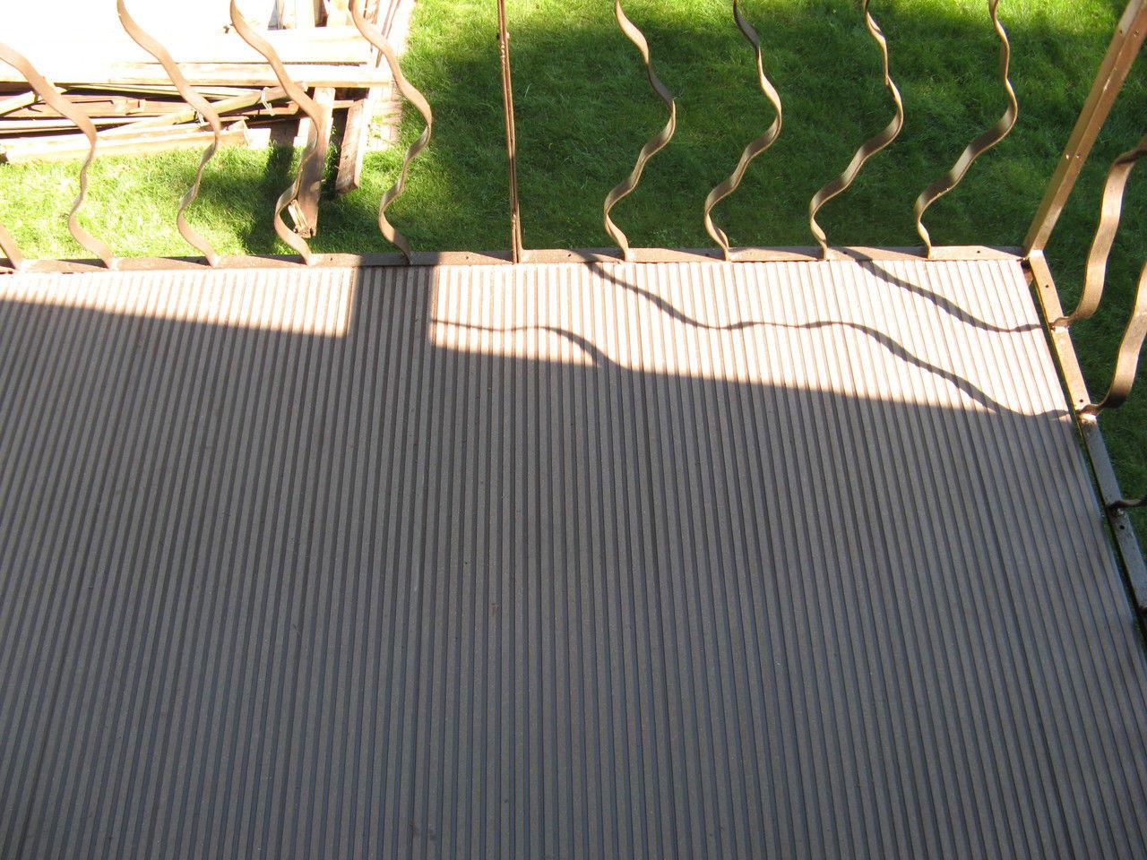 Бесшовная террасная доска на балконе - лицензии и сертификат.