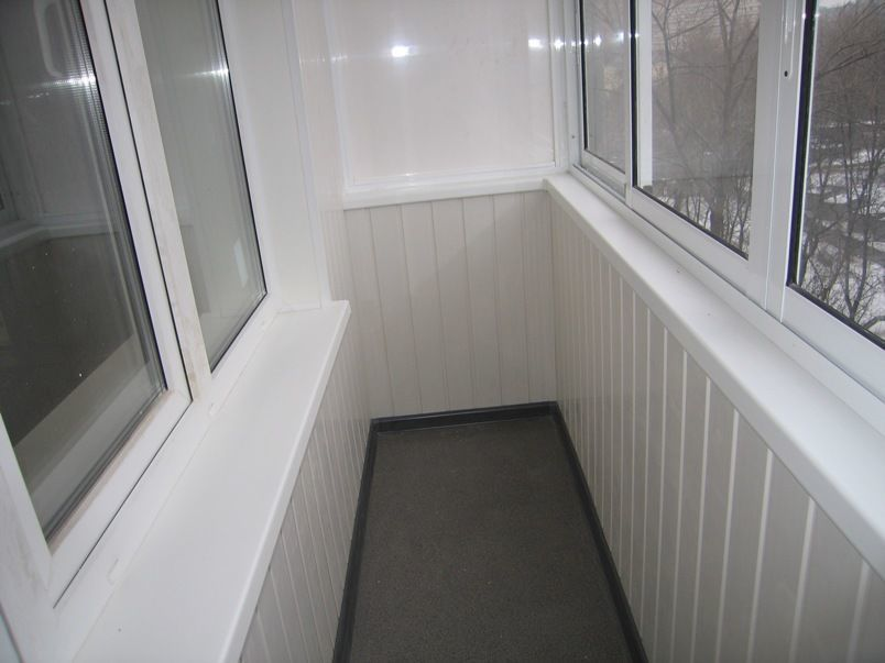Отделка лоджии стены пвх панелью (в зоне перил, только фасад.