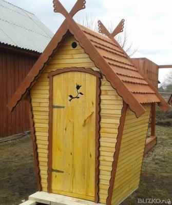 Дачный туалет теремок